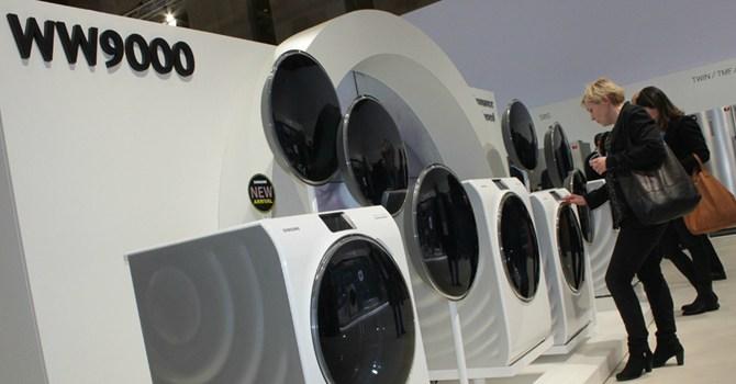 Máy giặt Samsung WW9000 trưng bày tại hội chợ triển lãm IFA tại Đức. Ảnh: WSJ
