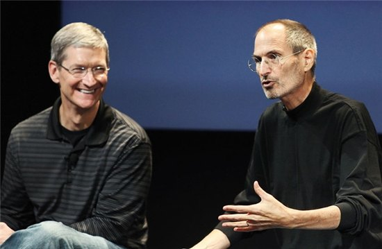 w620h405f1c1-files-articles-2015-1087306-3043628-poster-p-1-tim-cook-tried-to-offer-steve-jobs-a-portion-of-his-liver